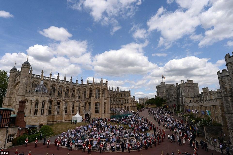 Casa Real de Gran Bretaña e Irlanda del Norte. - Página 8 29A3509700000578-3124982-image-a-95_1434390241541