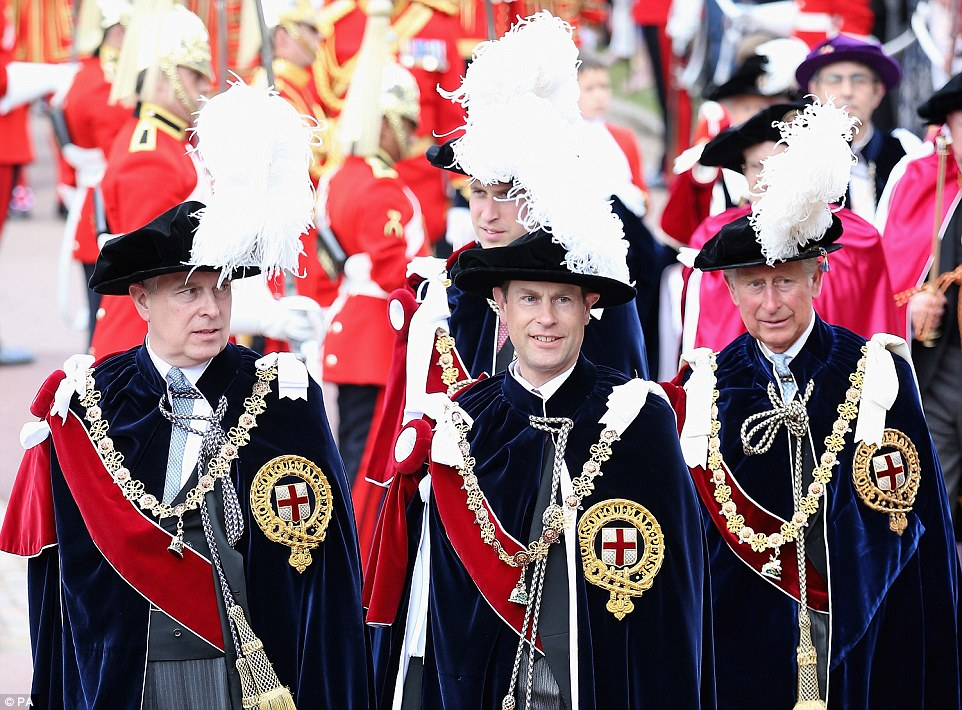 Casa Real de Gran Bretaña e Irlanda del Norte. - Página 8 29A458CF00000578-3124982-image-a-46_1434388457938