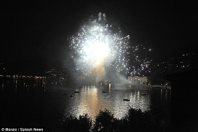 George Clooney & Amal in Como celebrating 4th of July with Julia Roberts 2A3C859900000578-0-image-a-48_1436067760132