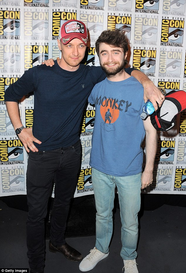 ¿Cuánto mide James McAvoy? - Altura - Real height 2A761C1A00000578-0-image-m-18_1436692727850