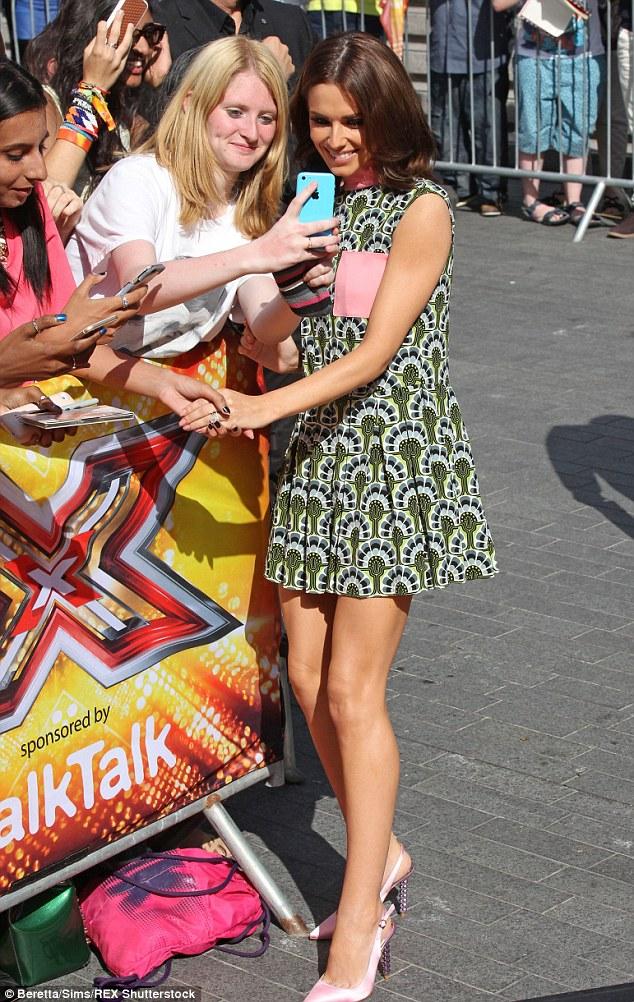 "Cheryl Cole > programa ""The X Factor"" | #CherylGroups - Página 22 2ABA1E8D00000578-3169723-image-m-73_1437497504201"