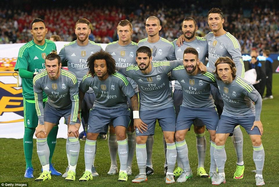 ¿Cuánto mide Cristiano Ronaldo? - Altura y peso - Real height 2ACD95AF00000578-0-image-a-52_1437739057377