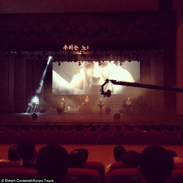 Corea - Corea del Norte - Página 3 2B7E2EC200000578-3203427-image-a-19_1439992373604
