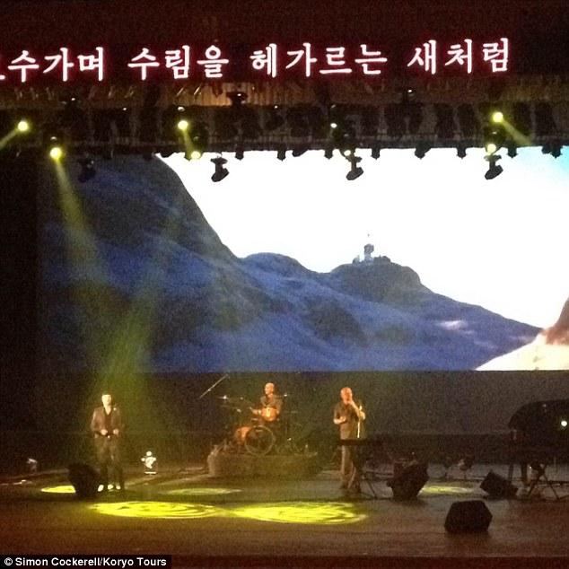 Corea - Corea del Norte - Página 3 2B7E2ED000000578-3203427-image-a-20_1439992379353