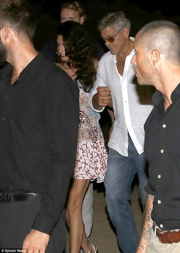 George Clooney, Amal, Rande and Cindy Gerber at the Es Torrent restaurant in Ibiza 22. August 2015 2B969F5D00000578-3207554-image-m-50_1440297415718