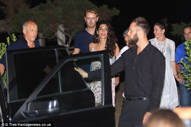 George Clooney, Amal, Rande and Cindy Gerber at the Es Torrent restaurant in Ibiza 22. August 2015 2B98115300000578-3207554-image-a-50_1440322290265