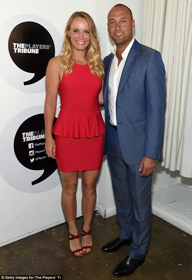¿Cuánto mide Caroline Wozniacki? - Real height 2BA2F9DC00000578-0-image-m-79_1440473065454