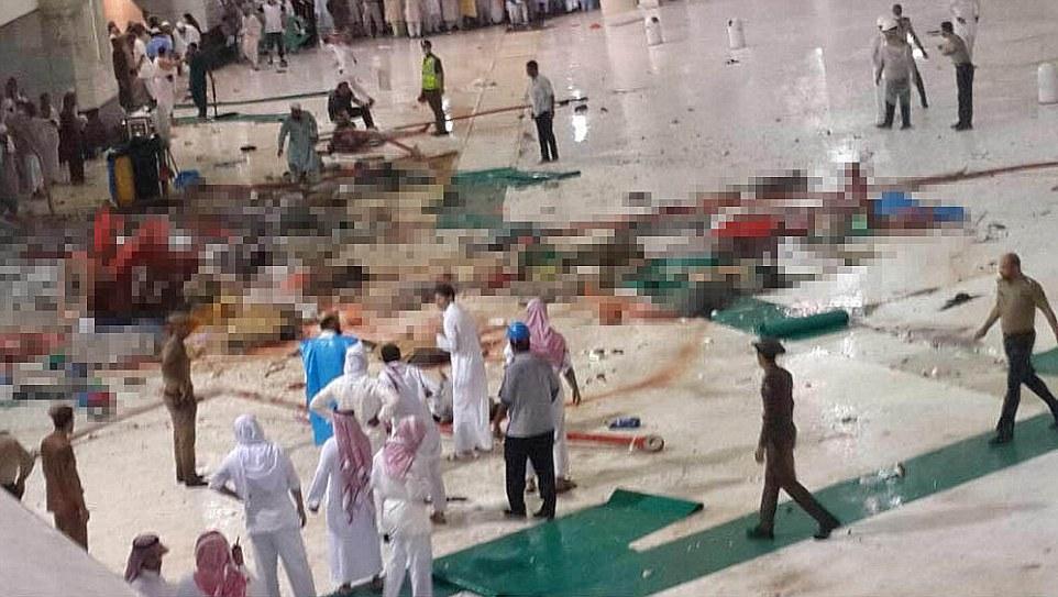 الدفاع المدني السعودي: 65 قتيلاً في حادث رافعة الحرم وتسجيل 154 إصابة 2C31BC1000000578-3231117-Bodies_strewn_across_floor_Pictures_emerging_on_social_media_sho-a-40_1441993106265