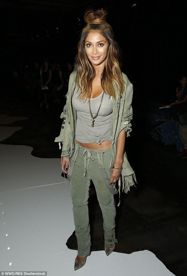 Nicole Scherzinger >> Candids/Apariciones/Shoots - Página 11 2C66EBAF00000578-0-image-m-18_1442457662890