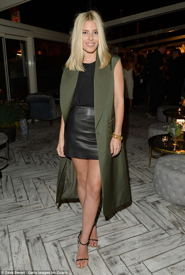Saturday >> Mollie King - Página 25 2C7BED9700000578-0-image-m-37_1442622912496