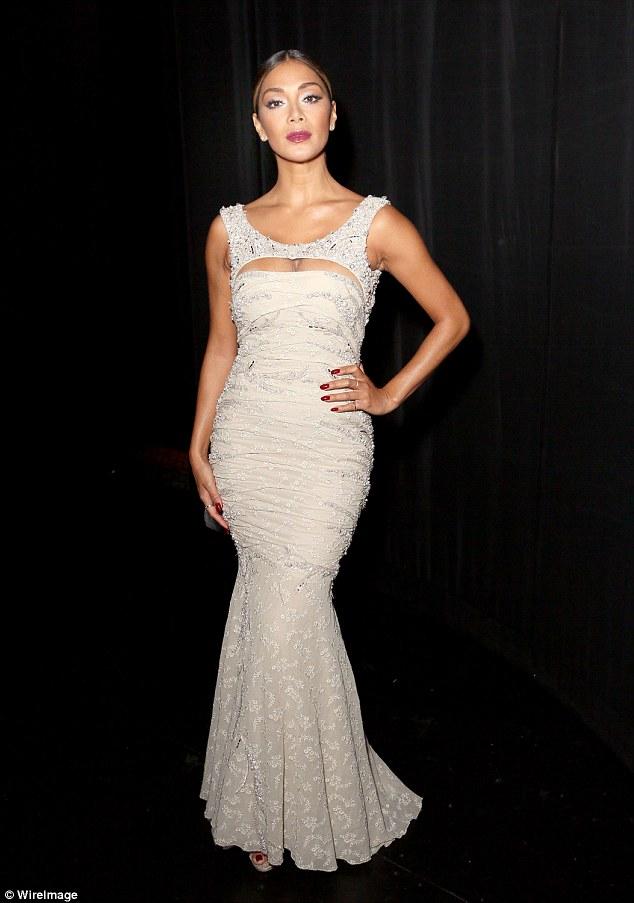 Nicole Scherzinger >> Candids/Apariciones/Shoots - Página 11 2C7E817100000578-0-image-a-81_1442671289119