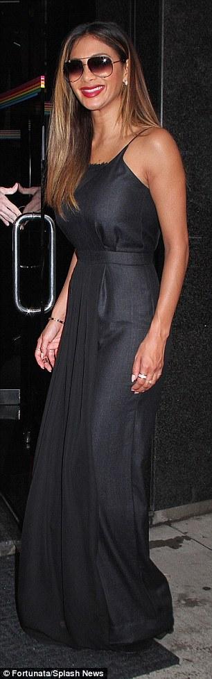 Nicole Scherzinger >> Candids/Apariciones/Shoots - Página 11 2CF0D43D00000578-3255351-image-m-69_1443644540766