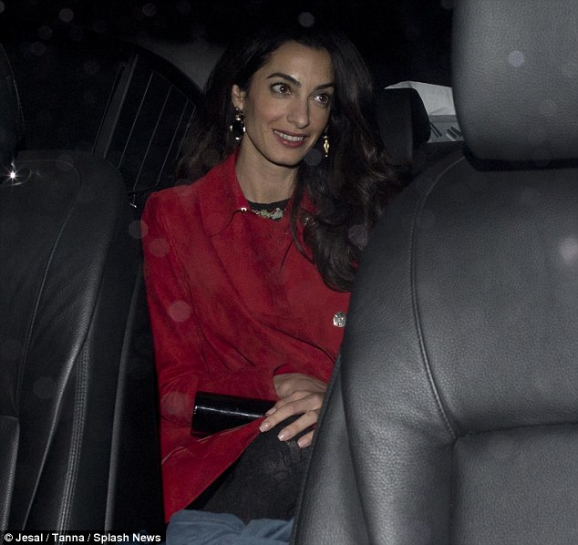 Triple date! George and Amal Clooney enjoy dinner with famous friends Matt Damon, Cindy Crawford and their significant others Oct 3, 2015 2D0F9C5D00000578-3259170-Lady_in_red_Amal_37_did_draw_the_most_glances_however_thanks_to_-m-18_1443934838737