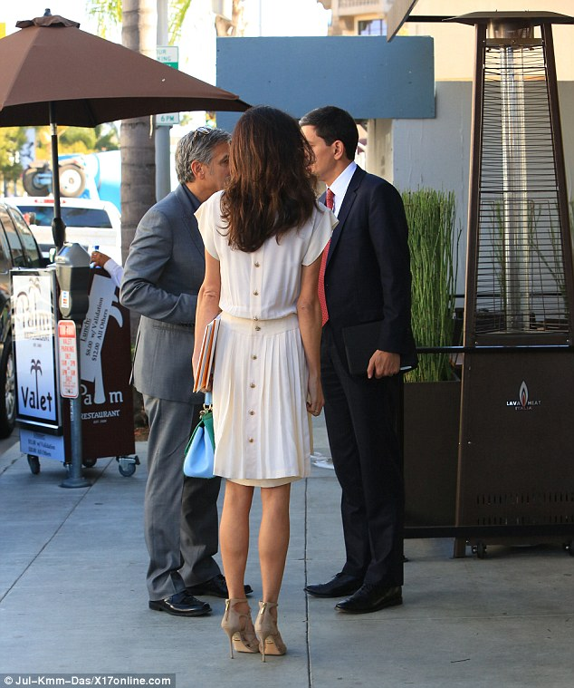 George and Amal lunch with David Milliband in Beverley Hills Oct 22 2015 2DAE191800000578-3285555-image-a-136_1445561423756