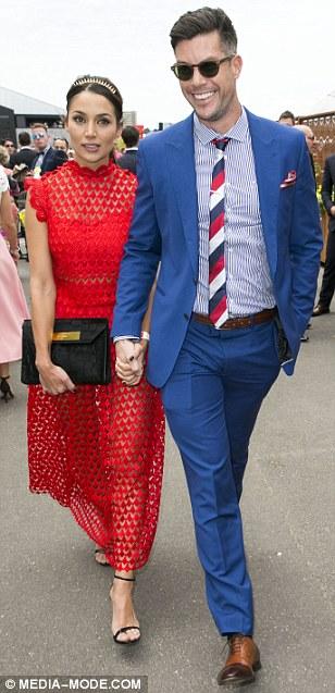 Sam Wood - Snezana Markoski - Bachelor Australia - Season 3 - Fan Forum - Page 14 2E0DFE4200000578-3300975-Affectionate_Snezana_clutched_onto_Bachelor_boyfriend_Sam_Wood_s-m-364_1446521456106