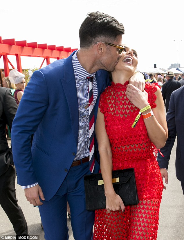 Sam Wood - Snezana Markoski - Bachelor Australia - Season 3 - Fan Forum - Page 14 2E0EAD5600000578-0-image-a-13_1446540134999