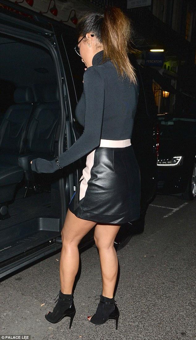 Nicole Scherzinger >> Candids/Apariciones/Shoots - Página 12 2F77A1DF00000578-0-image-a-51_1450378178982