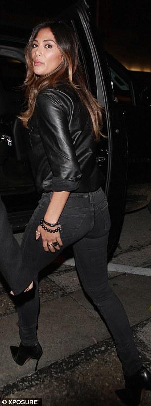 Nicole Scherzinger >> Candids/Apariciones/Shoots - Página 12 2FE784AB00000578-3390242-image-a-36_1452255337614