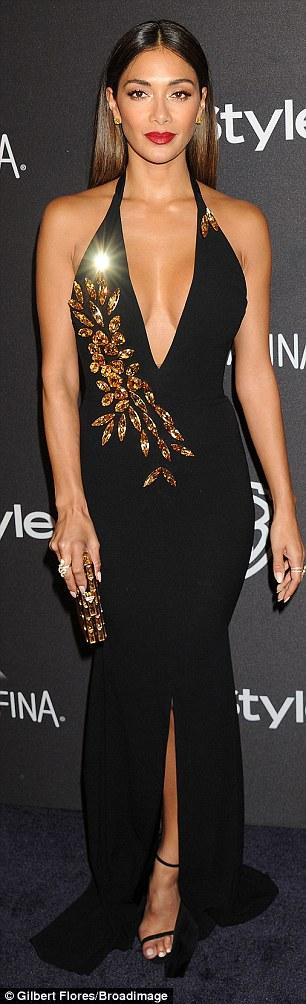 Nicole Scherzinger >> Candids/Apariciones/Shoots - Página 12 3006171400000578-3393771-image-a-14_1452515588563