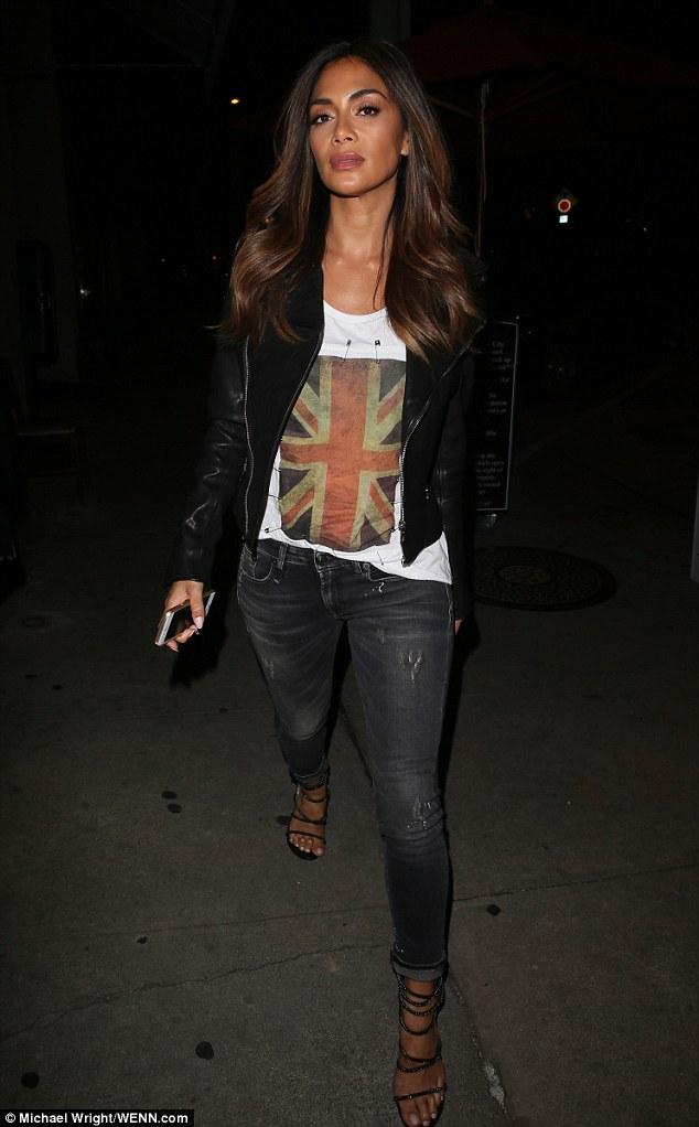Nicole Scherzinger >> Candids/Apariciones/Shoots - Página 12 3011B66400000578-3395129-image-m-61_1452579631137