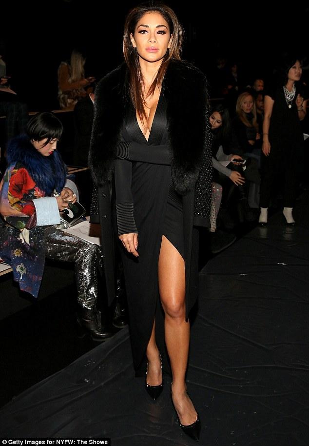 Nicole Scherzinger >> Candids/Apariciones/Shoots - Página 13 313E04FB00000578-3449044-image-m-25_1455614159140