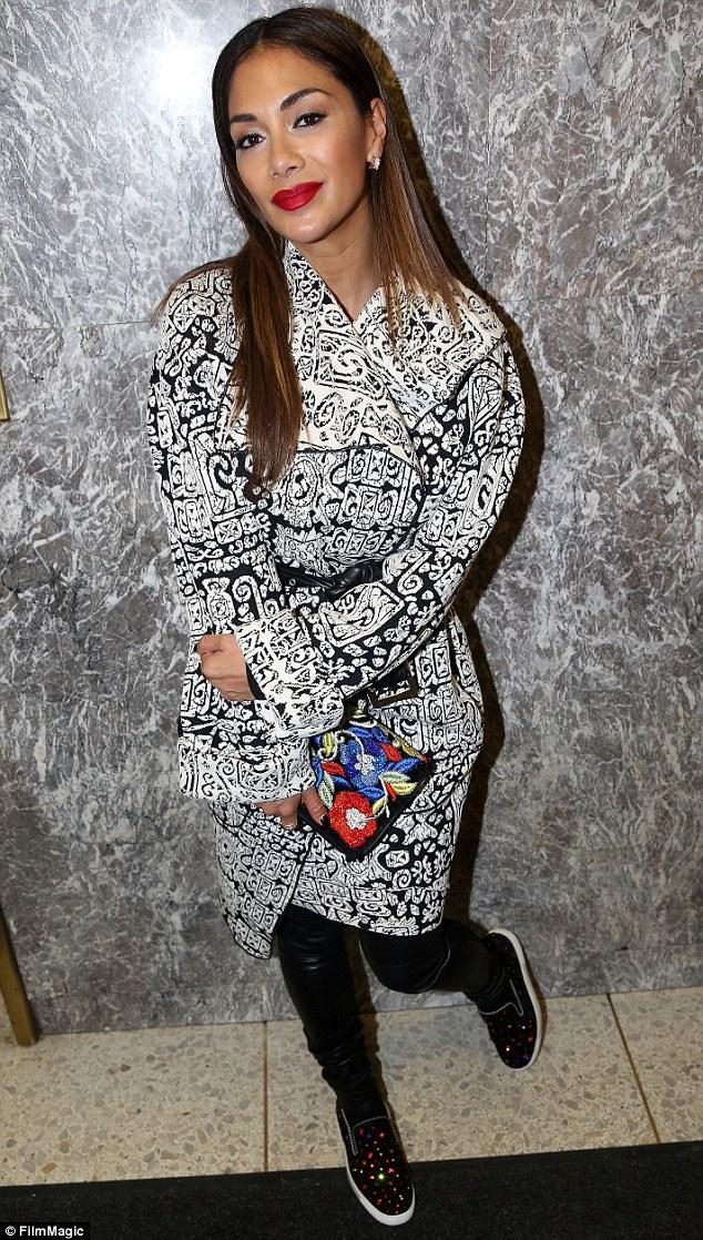Nicole Scherzinger >> Candids/Apariciones/Shoots - Página 13 3150BB0100000578-0-image-m-2_1455727980215