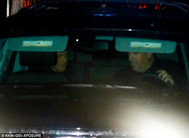 Party of three: George Clooney enjoys a relaxed evening out in Malibu with Cindy Crawford and her husband Rande Gerber 06. March 2016 31E9DB3200000578-3478822-image-a-3_1457254579555