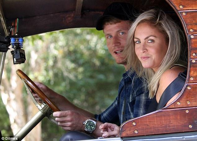 Nikki Gogan - Bachelor Australia - Season 4 - Fan Forum - Page 2 339B9E9E00000578-3562922-image-a-123_1461825735653