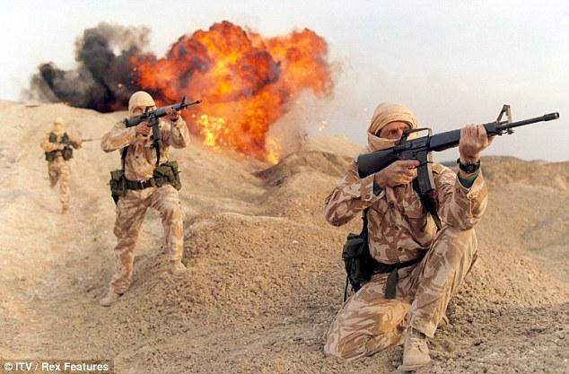 القوات الخاصة البريطانية  في ليبيا تقع في كمين لانتحاريي داعش 33B1EEED00000578-3567590-image-a-20_1462057095248