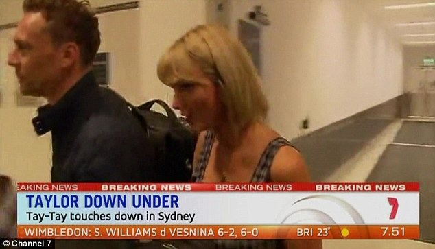 Taylor Swift - Página 5 360E4BB500000578-3679836-Down_Under_Taylor_Swift_and_Tom_Hiddleston_touched_down_in_Sydne-a-40_1467929366151