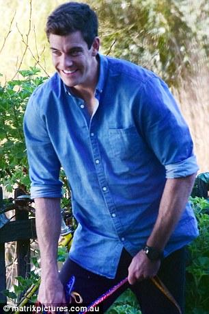 Cameron Cranley - Bachelorette Australia - Season 2 - Fan Forum 3660BBBD00000578-3695180-image-a-143_1468824706763