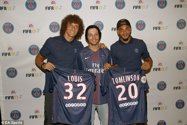 ¿Cuánto mide Louis Tomlinson? - Altura - Real height 36A5023F00000578-3711665-image-a-23_1469657992524