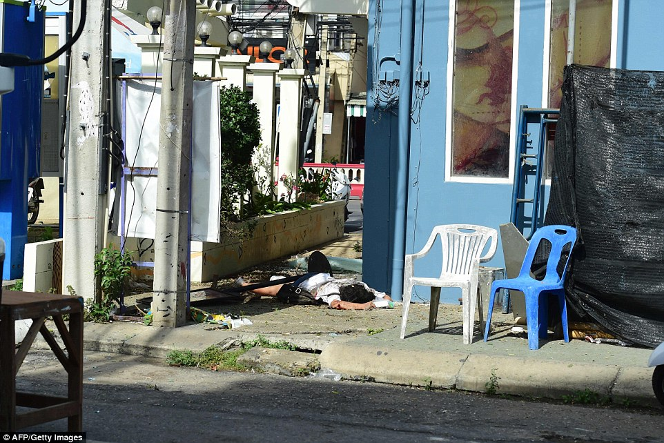 Anschläge in Thailand (11.8.16) 3723B65C00000578-3735585-image-a-74_1470972053665
