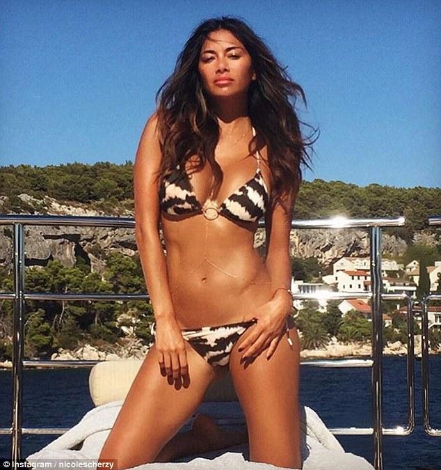 Nicole Scherzinger - Página 2 373FF16B00000578-3741339-image-m-81_1471259674209