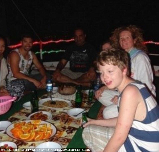 قصة أم أسترالية اصطحبت ابنها في رحلة حول العالم 3740BDC000000578-3741545-Living_proof_When_we_got_back_to_Aus_Louis_went_to_school_for_a_-a-24_1471278028481