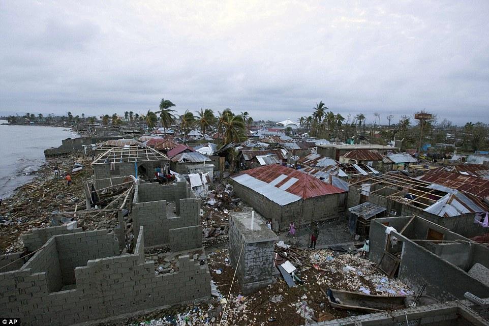 Hurricane Matthew Southeast Coast Discussion Thread - Page 3 392AD2B600000578-3825188-image-a-19_1475767994606