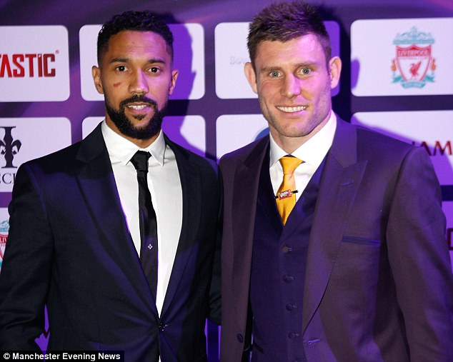 ¿Cuánto mide Gaël Clichy? - Real height 3AD230FE00000578-3978486-image-m-13_1480338511168