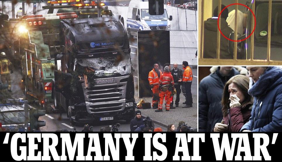 """Truck Attack – """"Anschlag"""" in Berliner Weihnachtsmarkt - Seite 2 Article-4049442-3B8B972C00000578-339_964x555"""