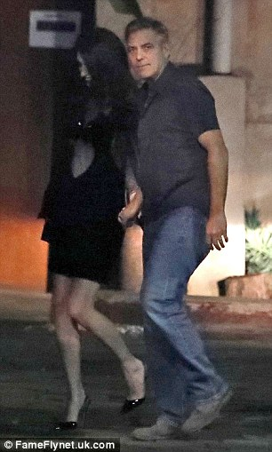 George and Amal Clooney at dinner in Spain 3CC7650500000578-4186994-Joyous_The_lovely_lawyer_wore_an_infectious_smile_on_the_dinner_-a-115_1486108581715