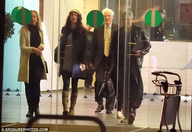 George and Amal Clooney leave Spain 3CCD5A0100000578-4188588-image-a-14_1486133453574