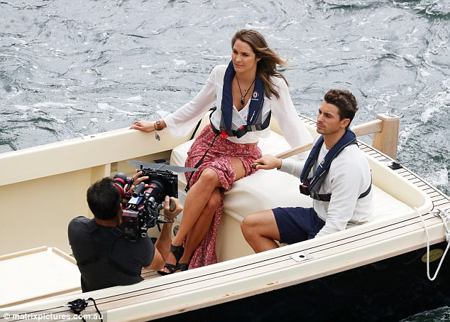 Laura Byrne - Ep3 SD Girl - Bachelor Australia - Season 5 - *Sleuthing Spoilers* 3E3E280300000578-4311018-image-a-55_1489454095067