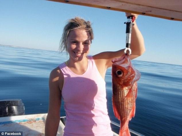 Elise Stacy - Bachelor Australia - Season 5 - *Sleuthing Spoilers* 3E3FCF2D00000578-4311522-image-a-5_1489478880333