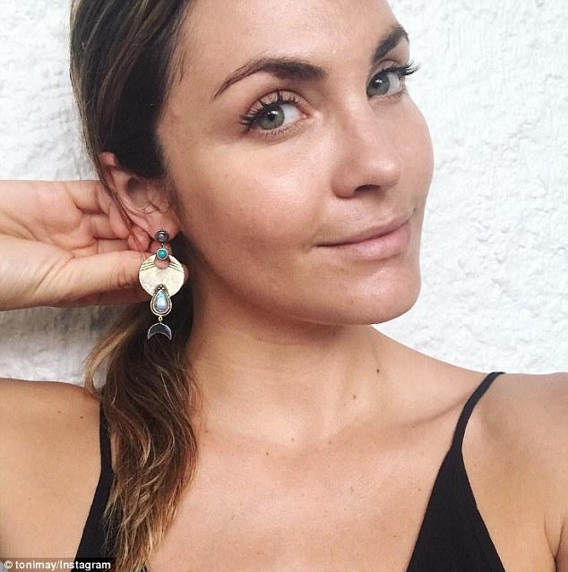 Laura Byrne - Ep3 SD Girl - Bachelor Australia - Season 5 - *Sleuthing Spoilers* - Page 2 3E5E02E600000578-4325654-image-m-31_1489792462006