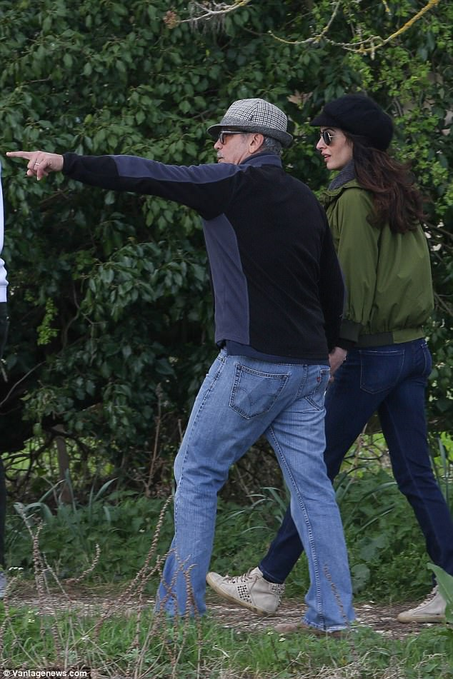 George and Amal out for a walk 3ED5464200000578-4371194-image-a-71_1491061529442