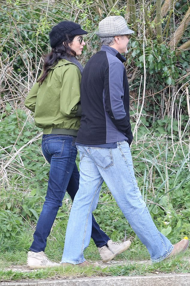 George and Amal out for a walk 3ED5476C00000578-4371194-image-a-89_1491061849861