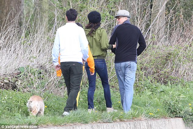 George and Amal out for a walk 3ED548C900000578-4371194-image-a-87_1491061775615