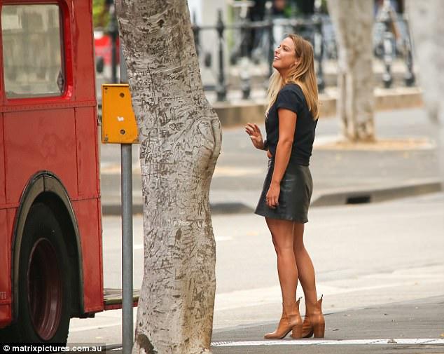 Elise Stacy - Bachelor Australia - Season 5 - *Sleuthing Spoilers* 3F3345DC00000578-0-image-a-62_1492054199746