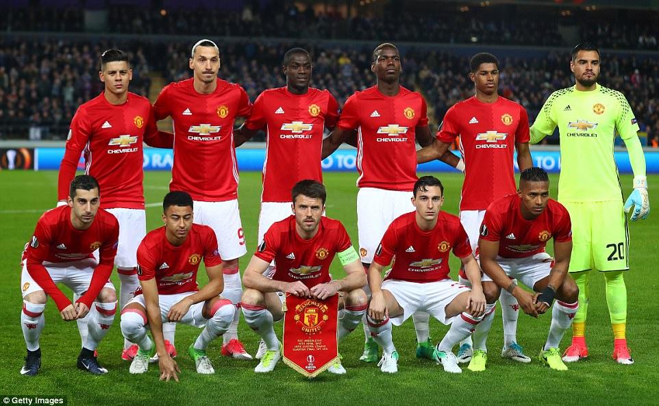 Hilo del Manchester United 3F39D50C00000578-4409956-image-a-21_1492111304975
