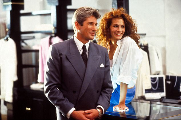 Picture: George Clooney & Julia Roberts  1337655800000514-4425118-image-a-6_1492607998376