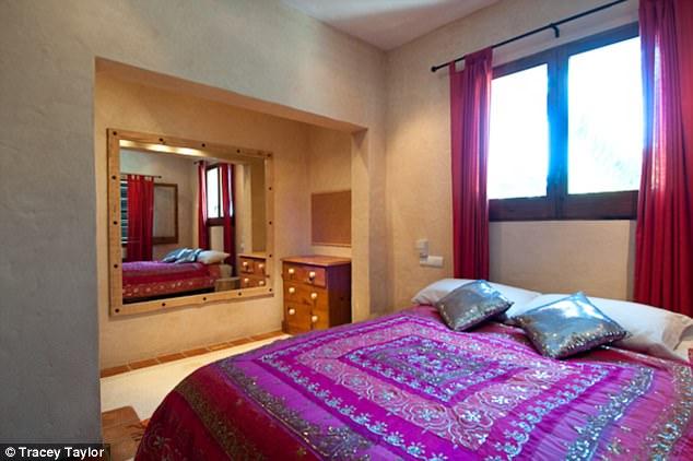Amal Clooney's makeup artist reveals Ibiza villa 3FCDC29C00000578-4462386-image-a-52_1493652535731